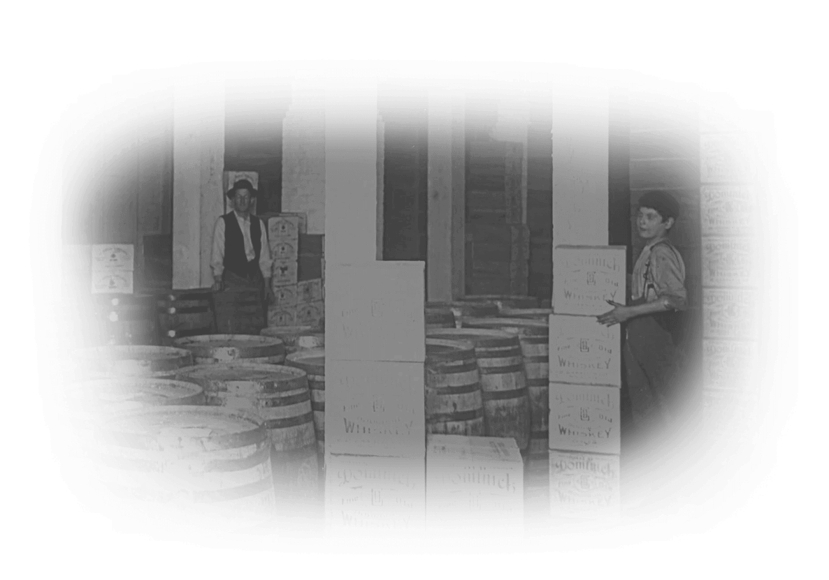 Canale distribution warehouse with workers